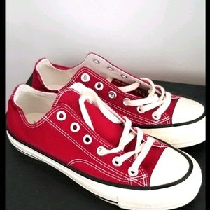 New- Even Star sneakers, size 8 🍒